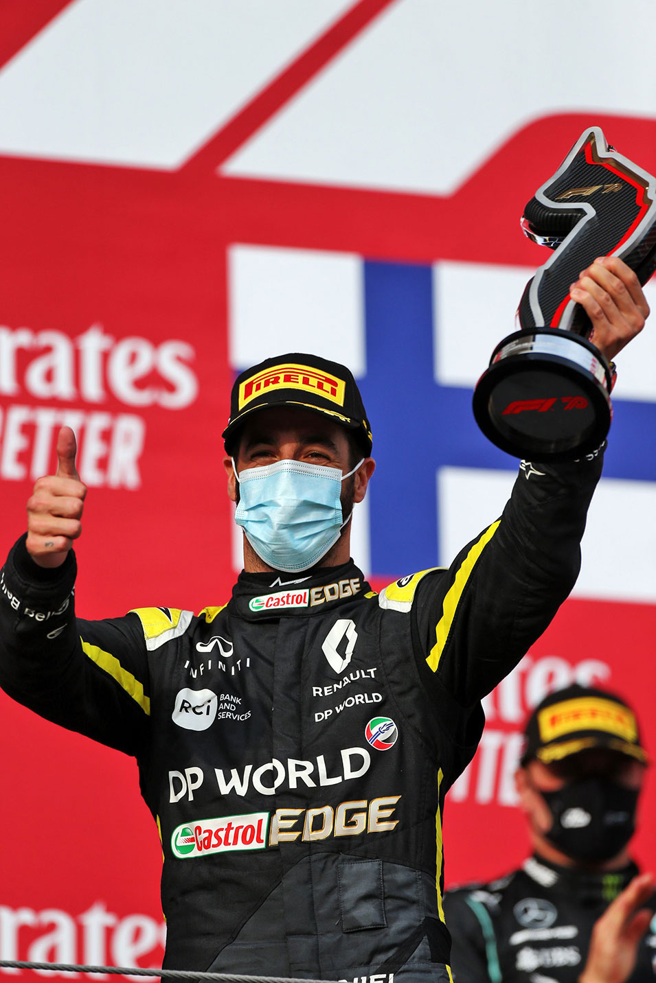 Η Renault World F1 Team, στο πόντιουμ των νικητών, για 2η φορά αυτή τη σεζόν